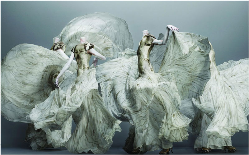 alexander_mcqueen_savagebeauty_finalcollection_gown