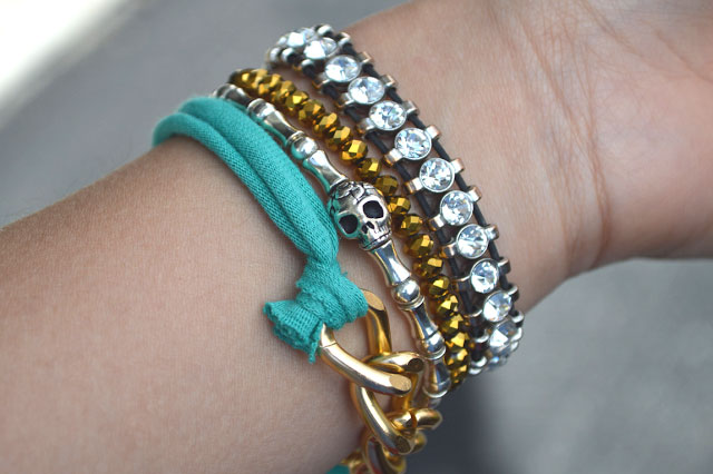 Studs-and-Pearls-DIY-jersey-chain-bracelet-2
