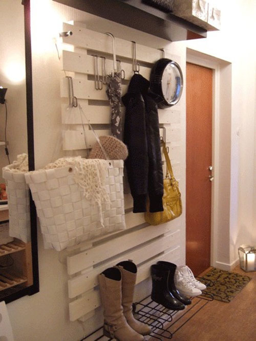 hall-pallet-wall-hanging-system