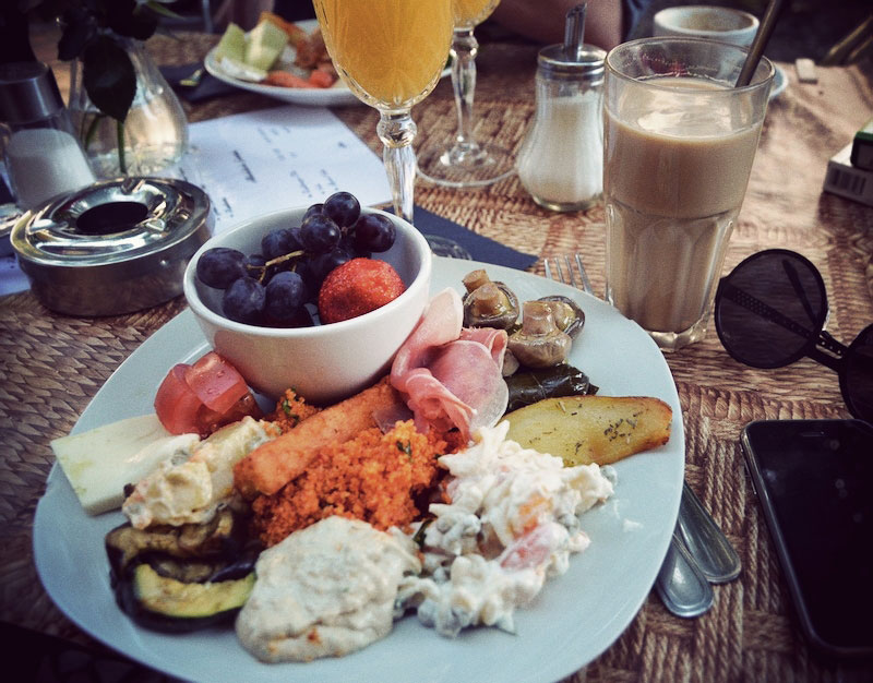OutiLesPyy-Berlin-Elfida-brunch-1