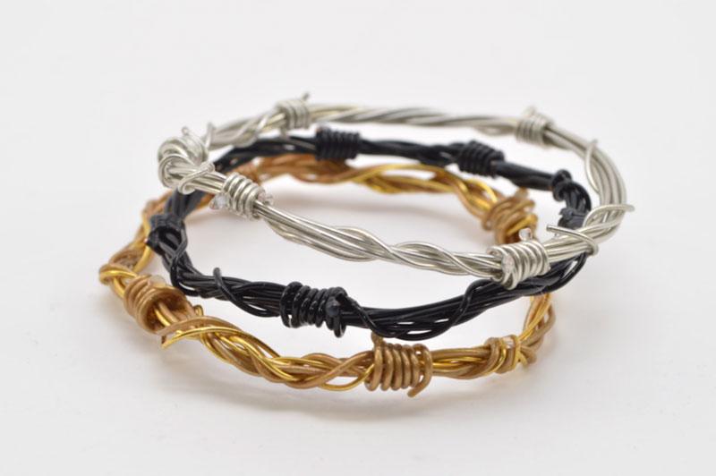 studsandpearls-diy-barbwire-bracelet-1
