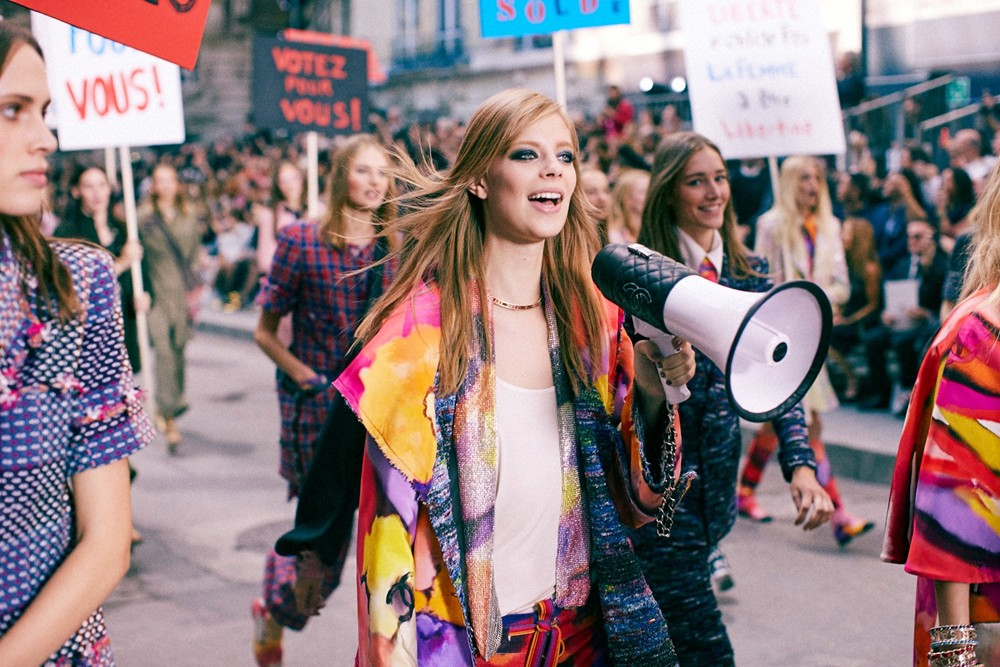 Chanel SS15 feminism 1