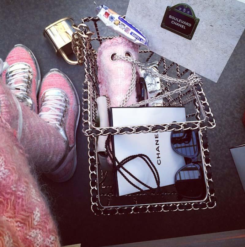 Chanel-SS15-feminism-11