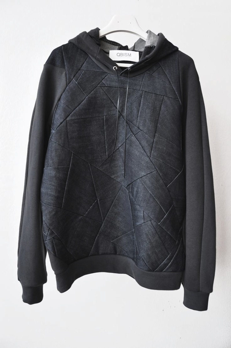 QBISM leather patch hoodie5
