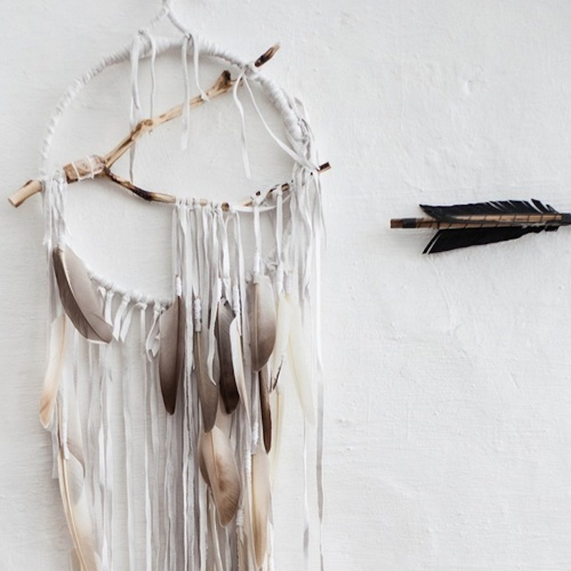 fate-london-dreamcatcher-white-detail-arrow