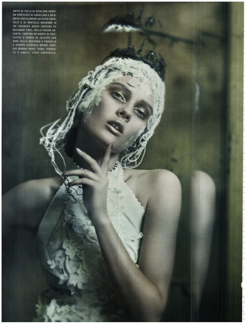 frida-gustavsson-monika-jagaciak-and-kristina-salinovic-by-paolo-roversi-the-haute-couture-vogue-italia-september-2011 11