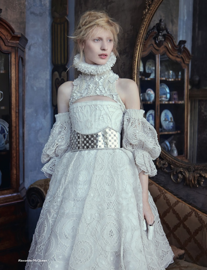 julia-nobis-by-ben-toms-for-another-magazine-fw-2013-10