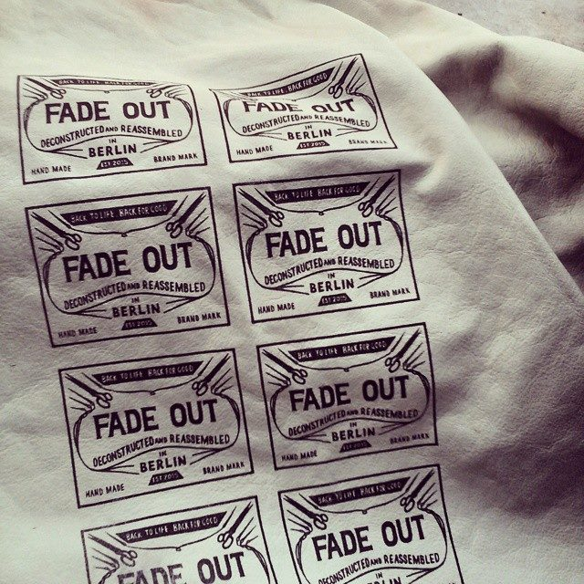 fade out label 18