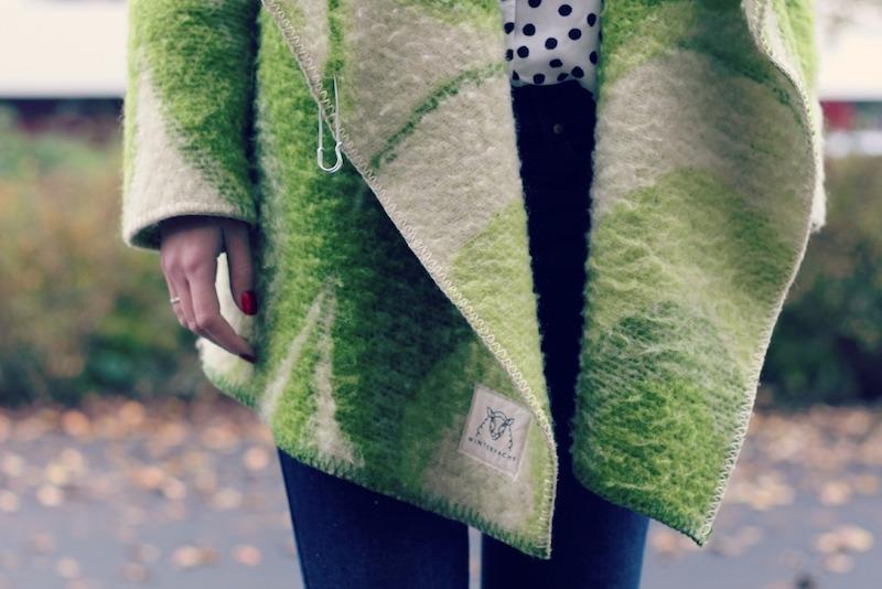 wintervacht-blanket-jacket-01