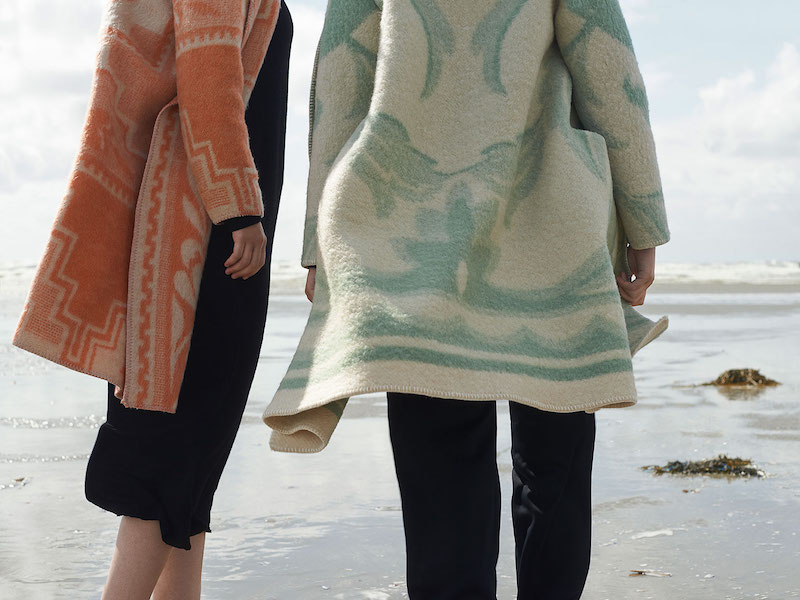 wintervacht-blanket-jacket-13